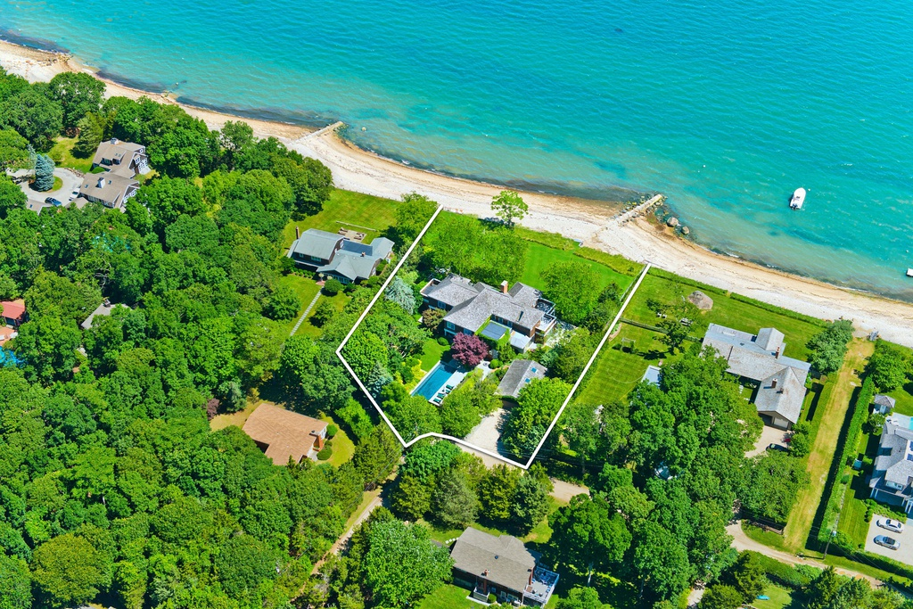 24 Driftwood Ln East Hampton, NY 11937 - $7,650,000 home for sale, house images, photos and pics gallery