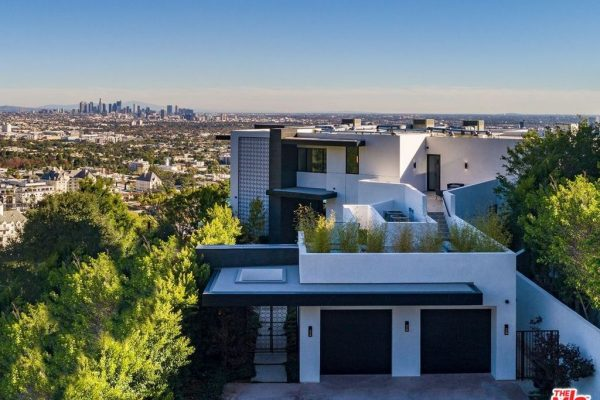 8366 Sunset View Dr Los Angeles, CA 90069