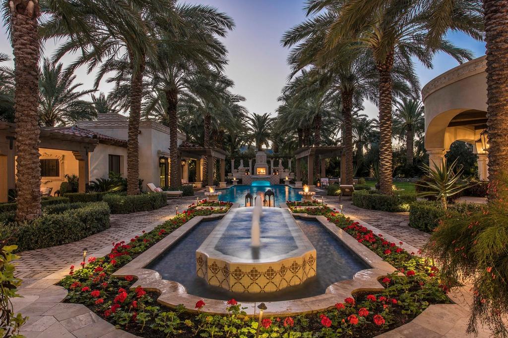 7801 N Calle Caballeros Paradise Valley, AZ 85253