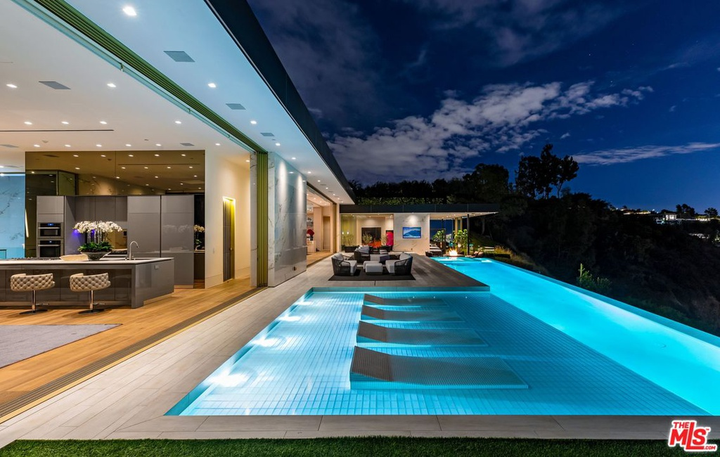 1175 N Hillcrest Rd Beverly Hills, CA 90210 - $68,000,000 home for sale, house images, photos and pics gallery
