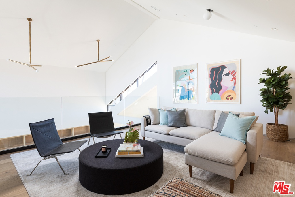 665 Broadway St Venice, CA 90291 - $4,985,000 home for sale, house images, photos and pics gallery