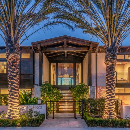 1901 Manhattan Ave Hermosa Beach, CA 90254
