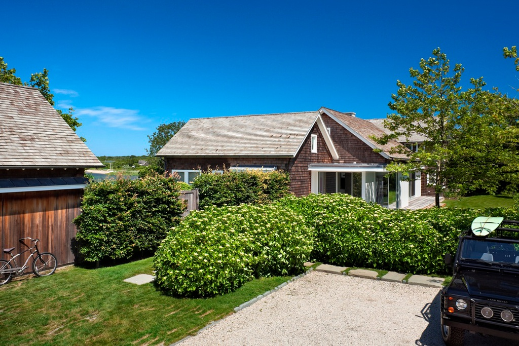 22 & 26 Old West Lake Dr, Montauk, NY 11954 - $7,950,000 home for sale, house images, photos and pics gallery