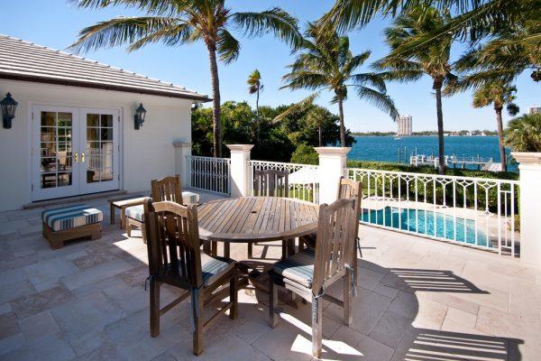 1284 N Lake Way Palm Beach, FL 33480