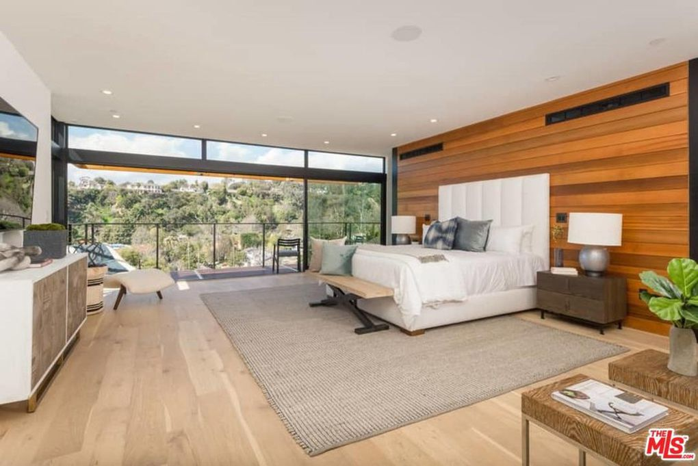 541 Stassi Ln, Santa Monica, CA 90402 - $8,495,000 home for sale, house images, photos and pics gallery