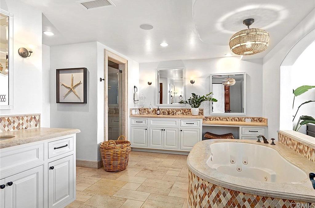 92 S La Senda Dr, Laguna Beach, CA 92651 - $11,900,000 home for sale, house images, photos and pics gallery