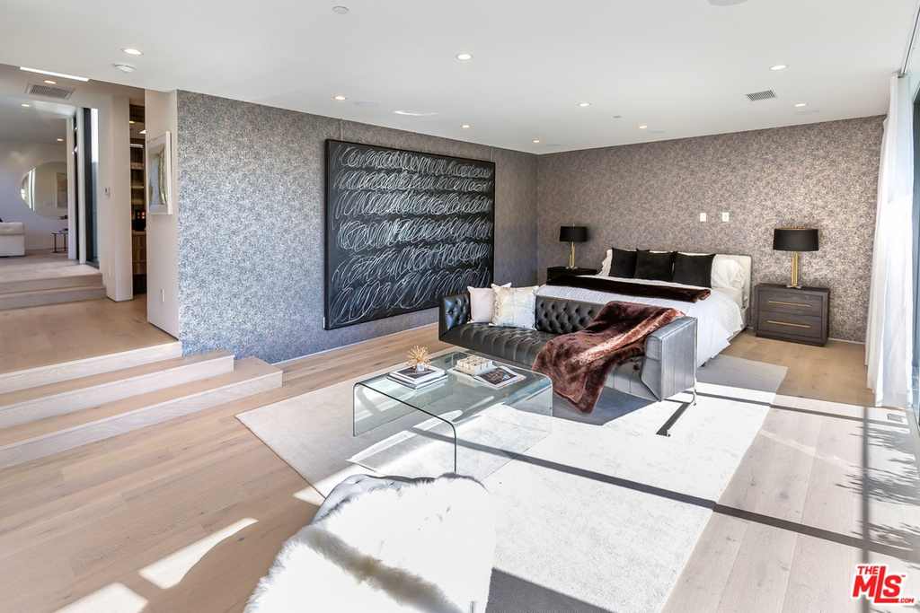1172 N Doheny Dr Los Angeles, CA 90069 - $9,300,000 home for sale, house images, photos and pics gallery