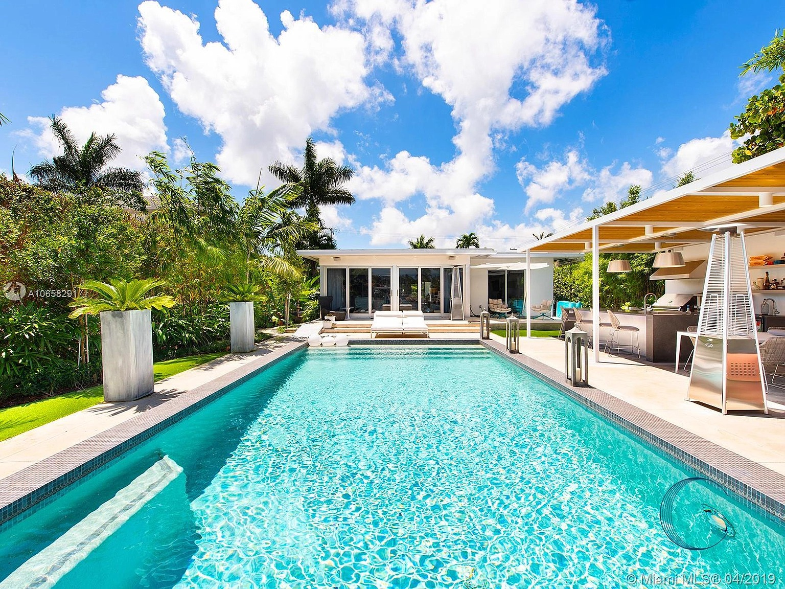 425 E Dilido Dr, Miami Beach, FL 33139 - $6,390,000 home for sale, house images, photos and pics gallery