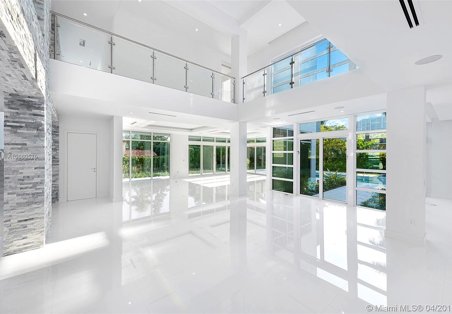 266 Ocean Blvd, Golden Beach, FL 33160 - $5,500,000 home for sale, house images, photos and pics gallery
