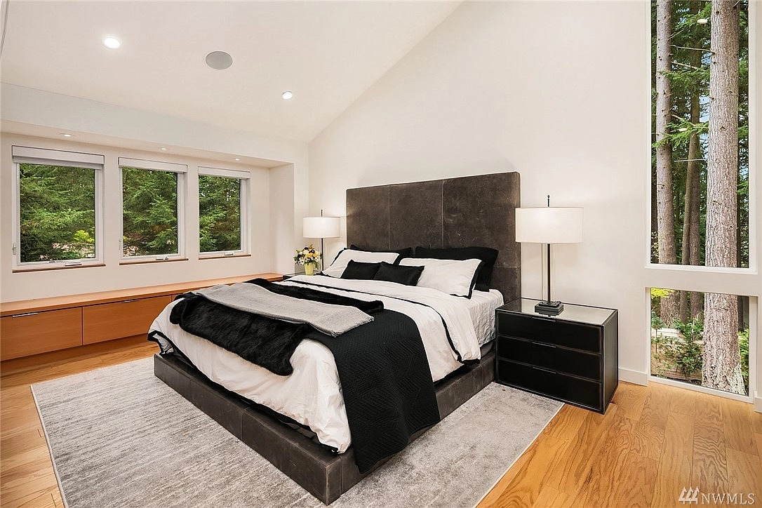 13434 NE 47th St, Bellevue, WA 98005 - $3,000,000 home for sale, house images, photos and pics gallery