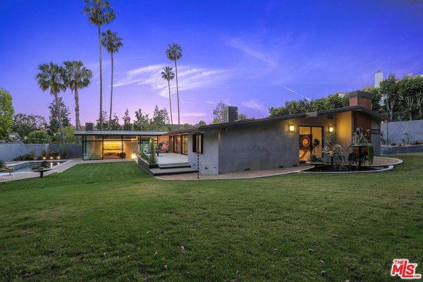 100 N Woodburn Dr, Los Angeles, CA 90049