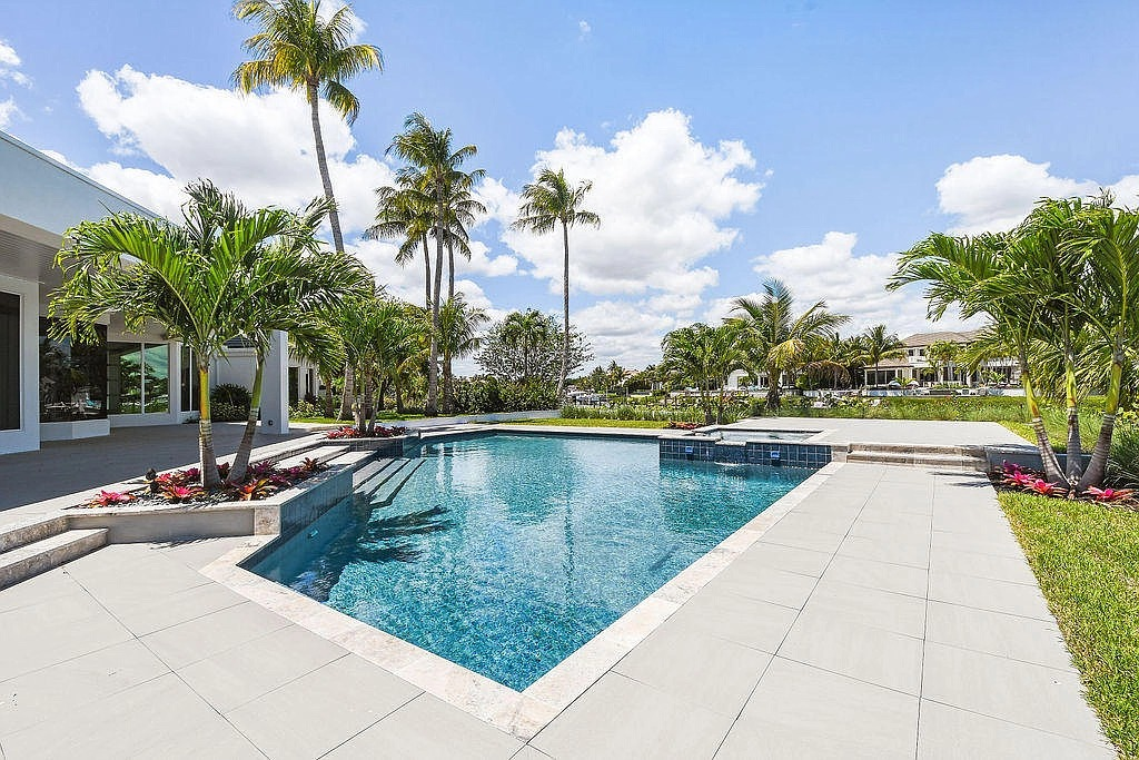392 Eagle Dr, Jupiter, FL 33477 - $6,850,000 home for sale, house images, photos and pics gallery