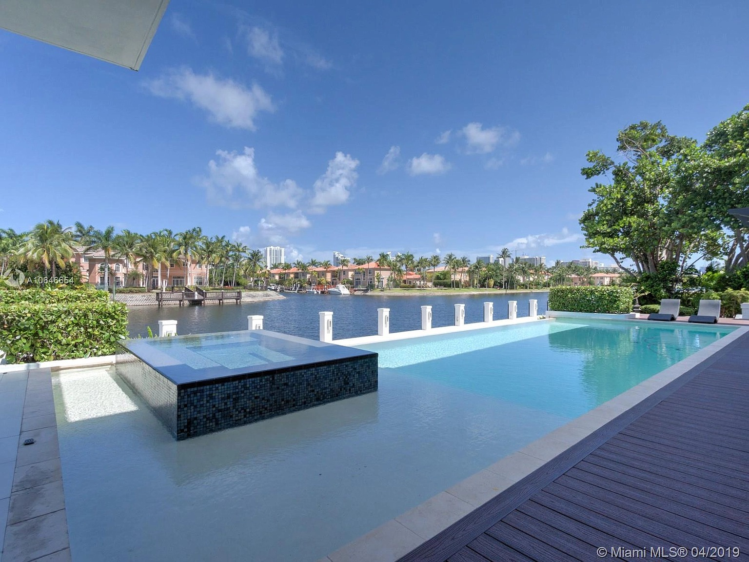 1215 Diplomat Pkwy, Hollywood, FL 33019 - $5,390,000 home for sale, house images, photos and pics gallery