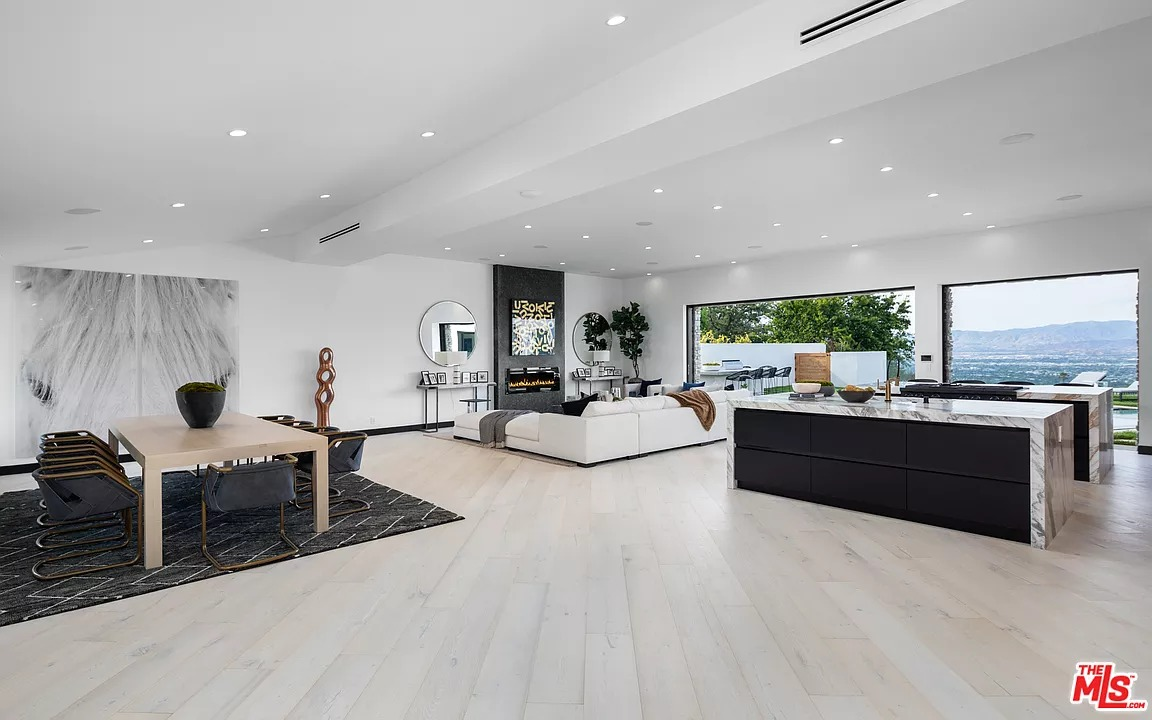 8338 Skyline Dr, Los Angeles, CA 90046 - $4,695,000 home for sale, house images, photos and pics gallery