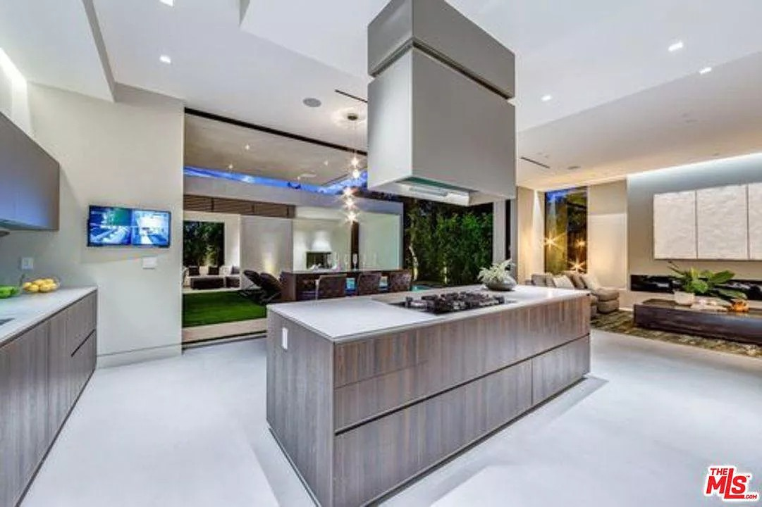 935 N La Jolla Ave, West Hollywood, CA 90046 - $3,995,000 home for sale, house images, photos and pics gallery