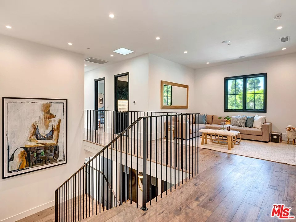 1234 Beverly View Dr, Beverly Hills, CA 90210 - $6,995,000 home for sale, house images, photos and pics gallery