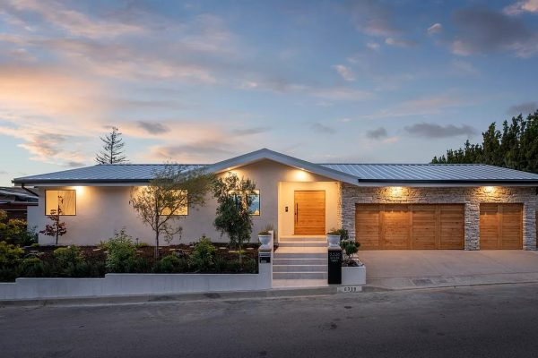 8338 Skyline Dr, Los Angeles, CA 90046