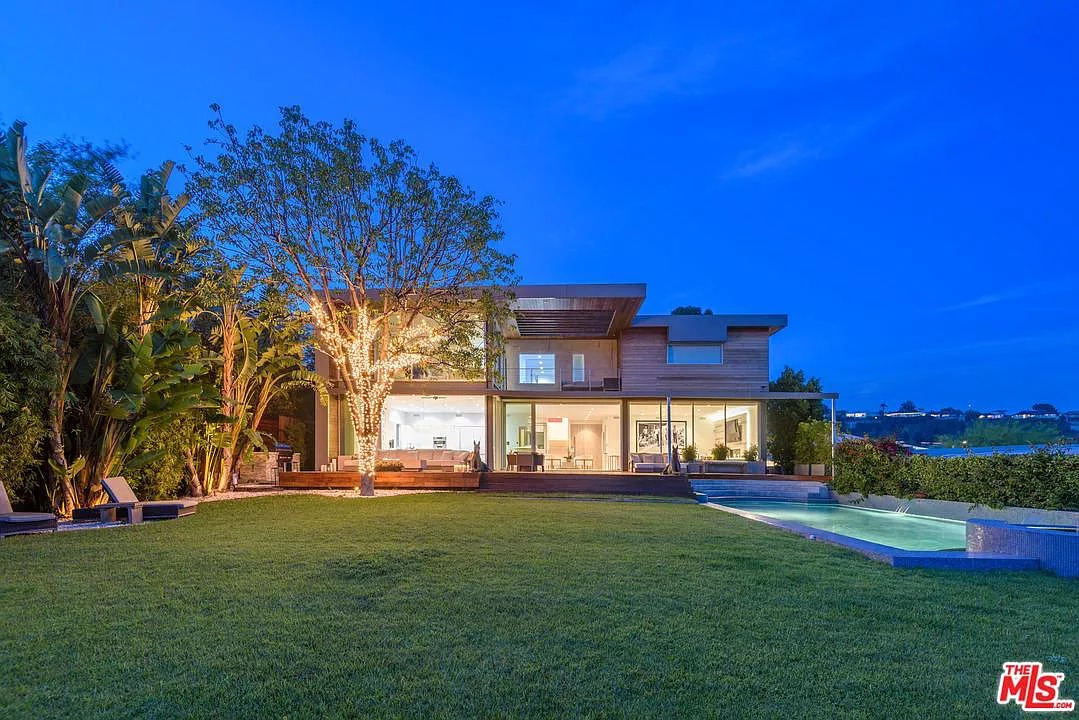 2511 Carman Crest Dr, Los Angeles, CA 90068 - $6,995,000 home for sale, house images, photos and pics gallery