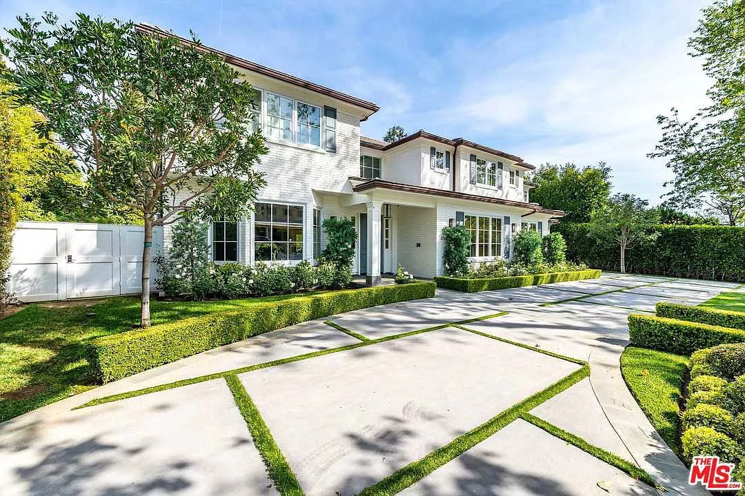 1166 Corsica Dr, Pacific Palisades, CA 90272