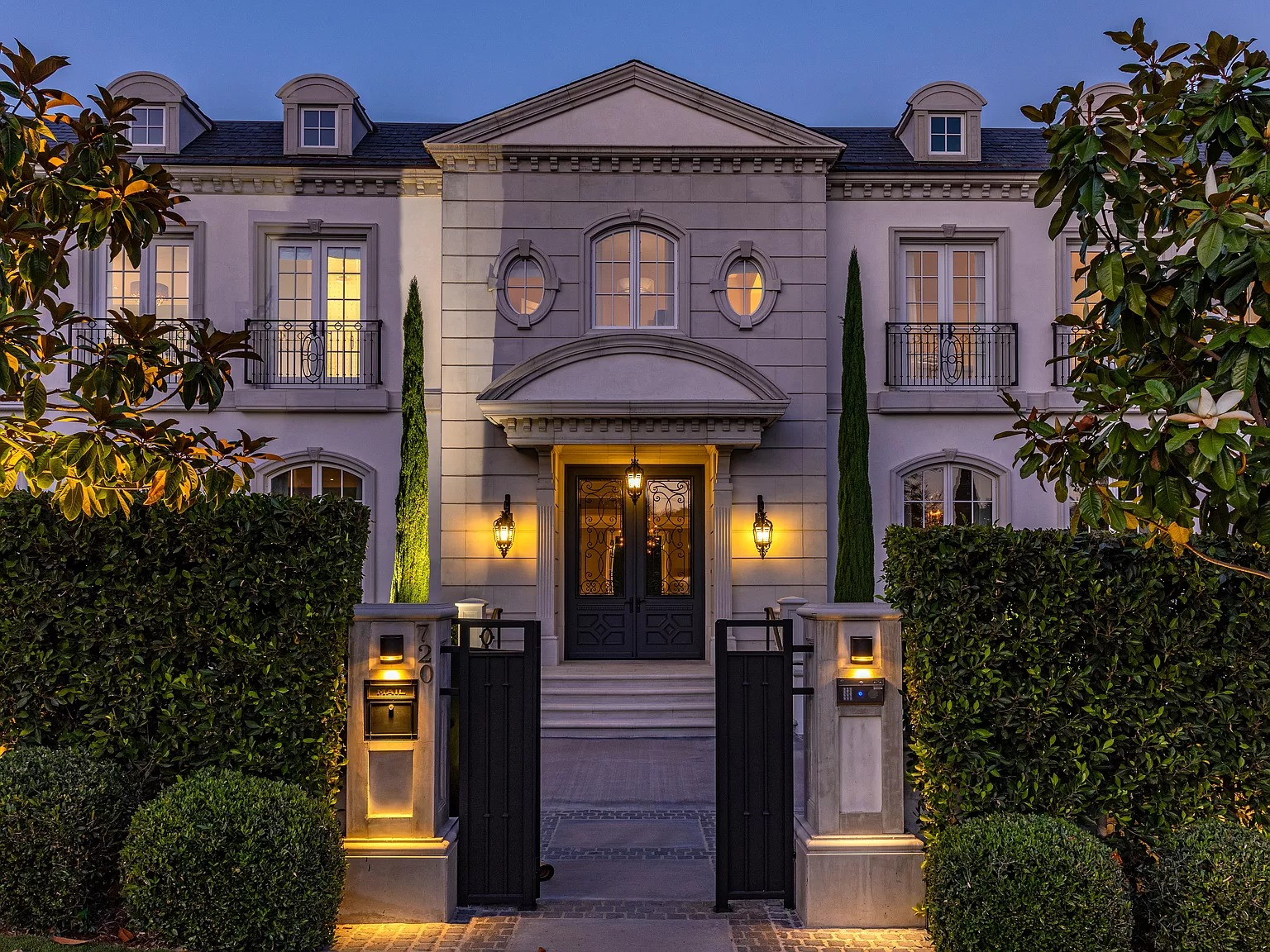 720 N Alta Dr, Beverly Hills, CA 90210
