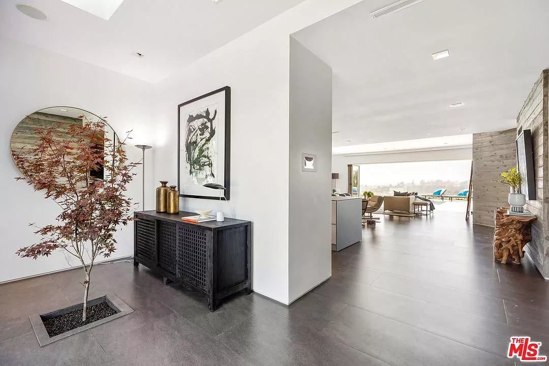 1557 Tower Grove Dr, Beverly Hills, CA 90210 - $6,995,000 home for sale, house images, photos and pics gallery