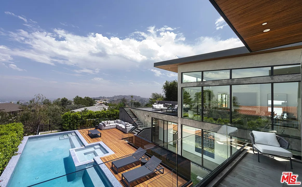 2660 Skywin Way, Los Angeles, CA 90046 - $4,495,000 home for sale, house images, photos and pics gallery