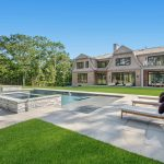 18 Fairway Ct, Sag Harbor, NY 11963