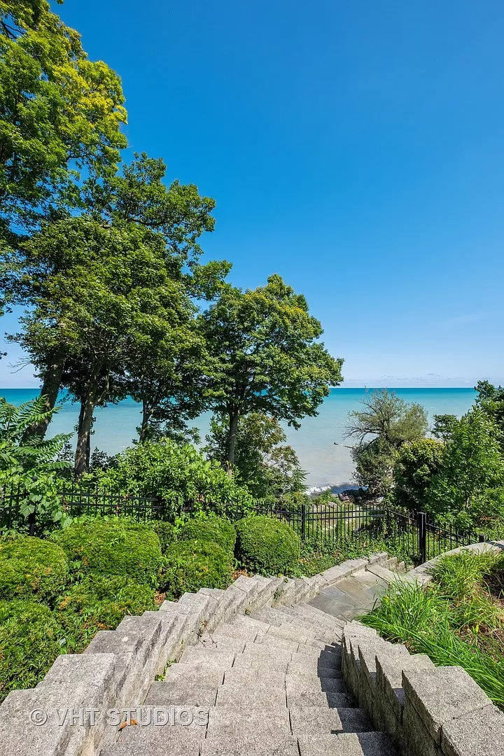 30 Riparian Rd, Highland Park, IL 60035 - $6,950,000 home for sale, house images, photos and pics gallery