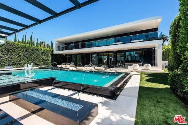 521 N Canon Dr, Beverly Hills, CA 90210