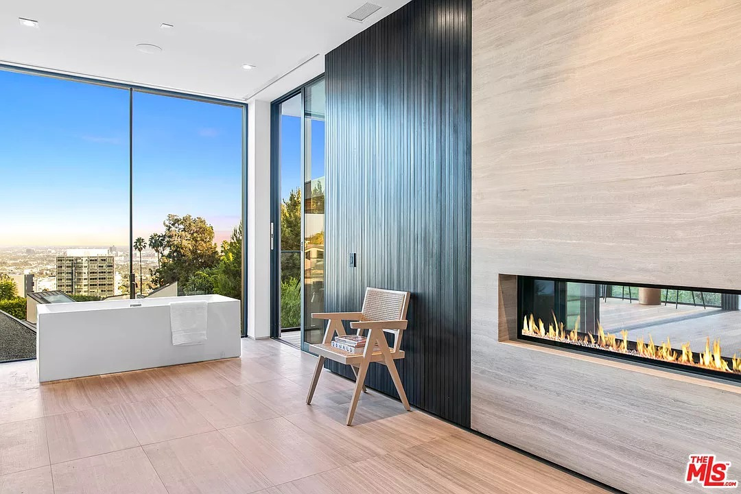 1383 Londonderry Pl, Los Angeles, CA 90069 - $14,500,000 home for sale, house images, photos and pics gallery
