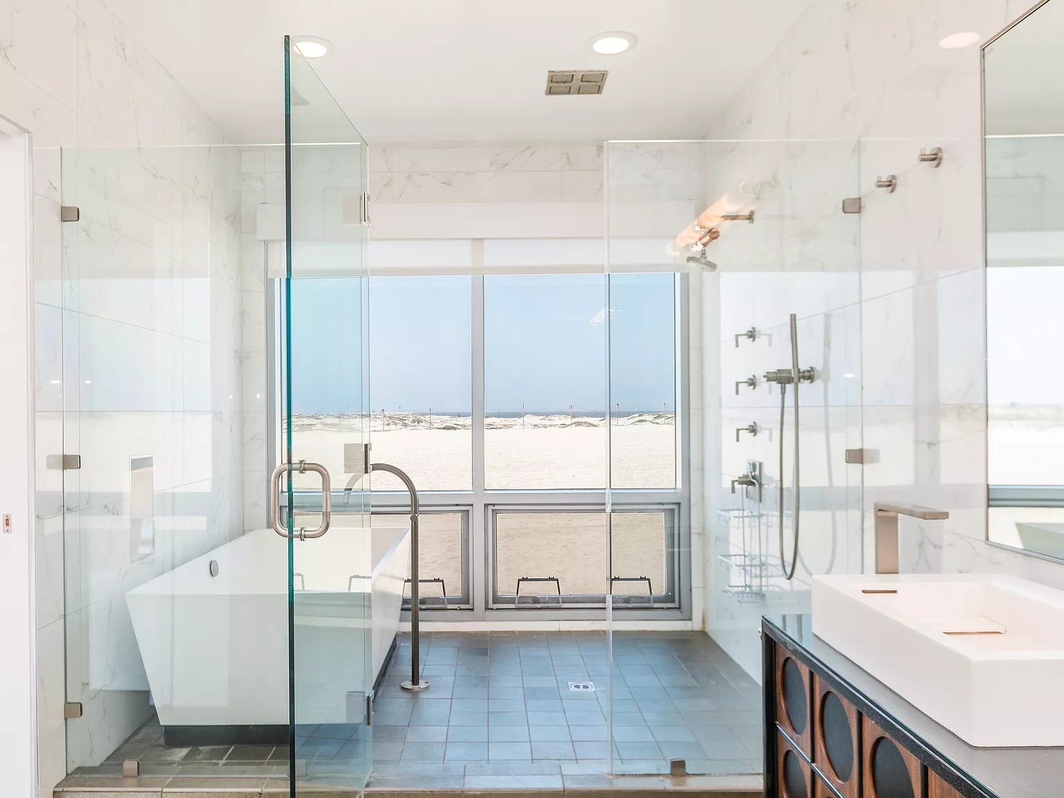 5205 Ocean Front Walk APT 203, Marina Del Rey, CA 90292 - $3,595,000 home for sale, house images, photos and pics gallery