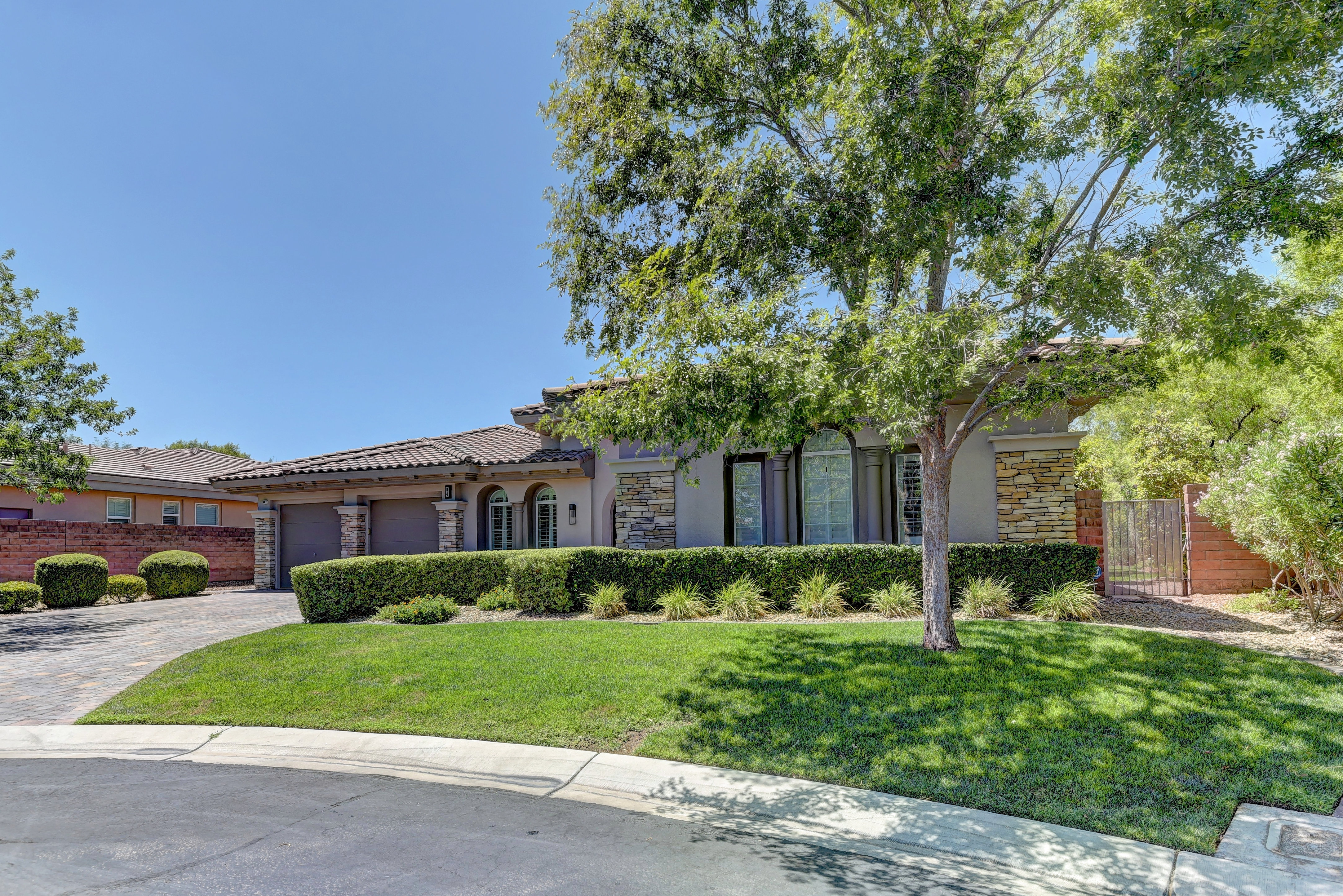 84 Tapadero Lane Las Vegas, Nevada 89138 – $2,000,000 home for sale, house images, photos and pics gallery