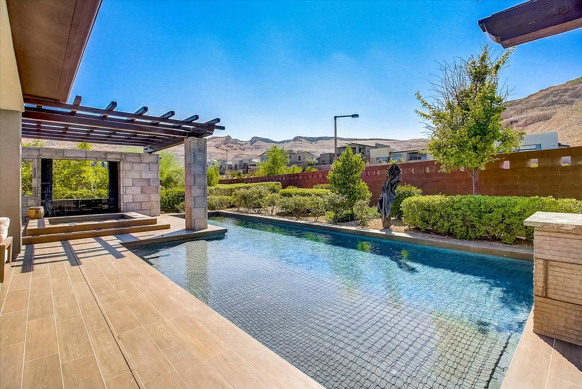 6679 Regency Ridge Court Las Vegas, NV 89148- $1,432,995 home for sale, house images, photos and pics gallery